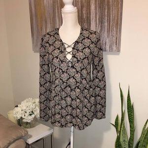 Daniel rainn blouse for women size S NWT